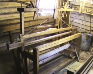 Kirikangasteljed  soometeljed, niieraamiga, keerukamate kangaste jaoks, kolme küünra laiused, kasutusel alates 19.saj. lõpp