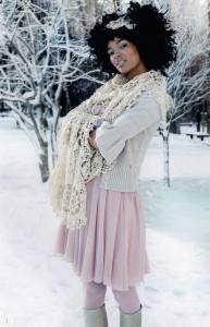 Kujundasin sama mustrit kujundades suure salli, mida võib kanda nii talvel, kui suvel.